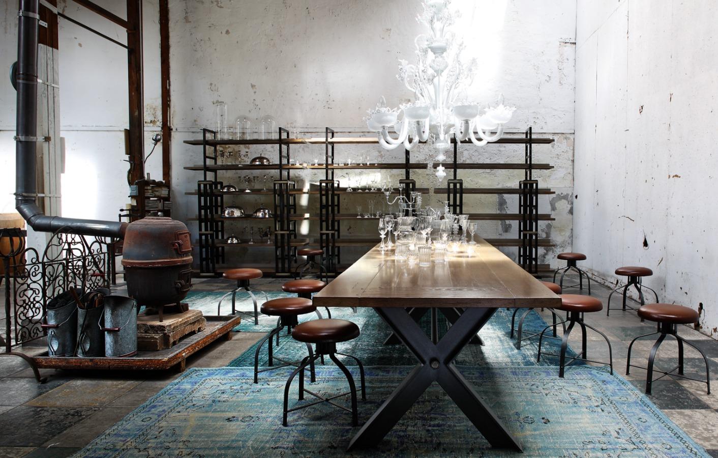 foto mesa de comedor syntaxe de roche bobois barcelona. Black Bedroom Furniture Sets. Home Design Ideas