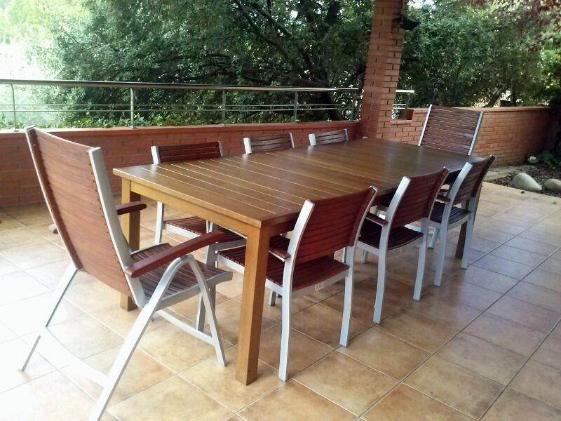 Foto mesa de jard n de madera de iroko de opyfex fusters - Mesas de madera de jardin ...