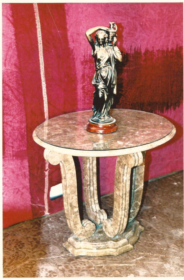 Foto mesa m rmol marr n emperador de marbres granits for Marmol marron emperador