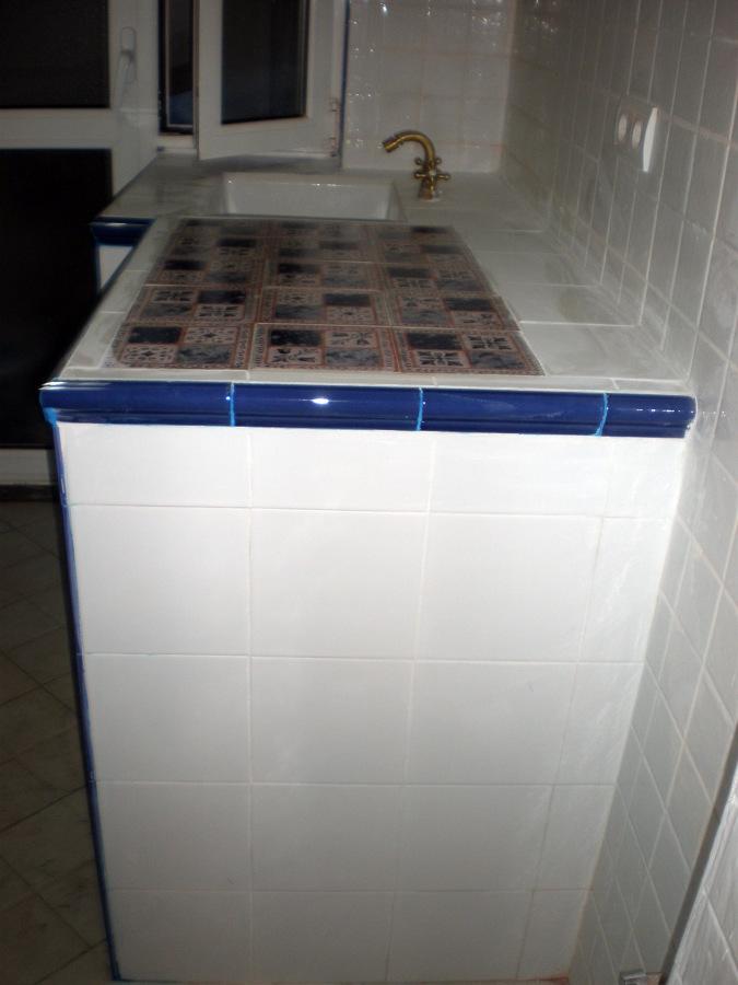 Foto meseta de cocina con azulejos r sticos de corema - Azulejos cocinas rusticas ...