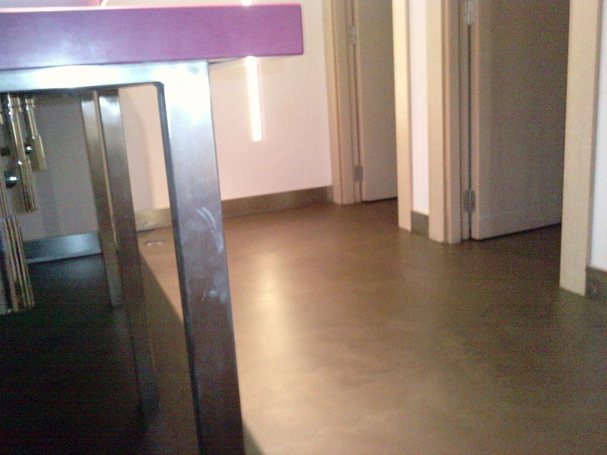 Foto microcemento color marr n de microcemento y stucos - Microcemento en valencia ...