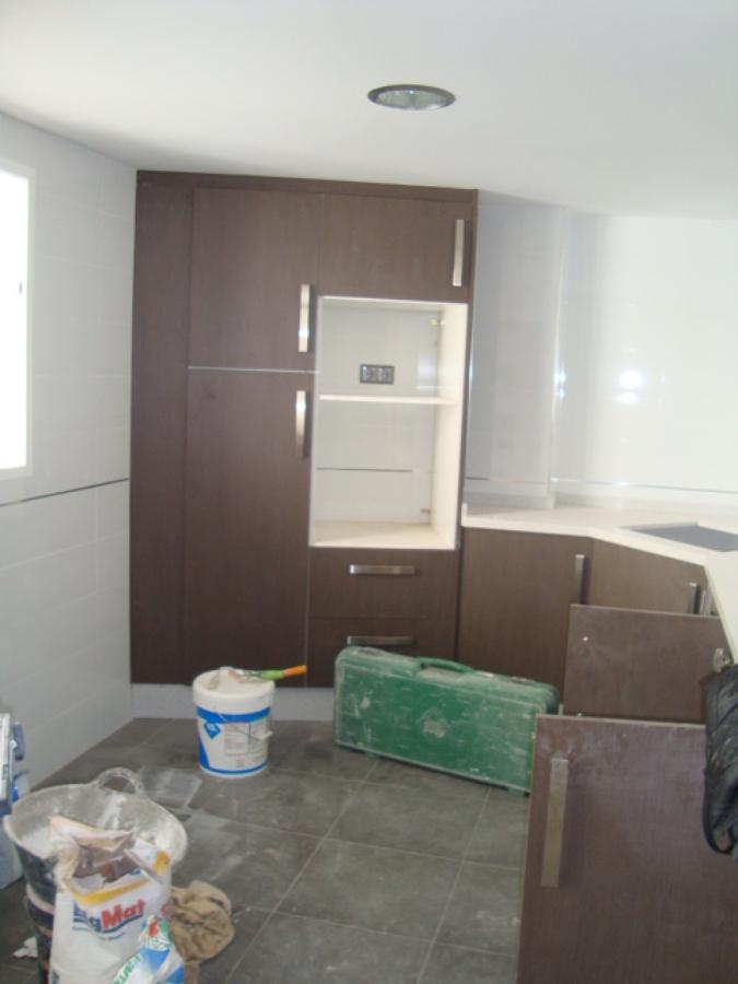 Foto mobiliario de cocina de verthe obras y reformas for Mobiliario de cocina
