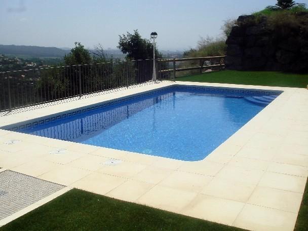 Foto modelo construccion piscina privada 4x8 m de for Piscine 4x8