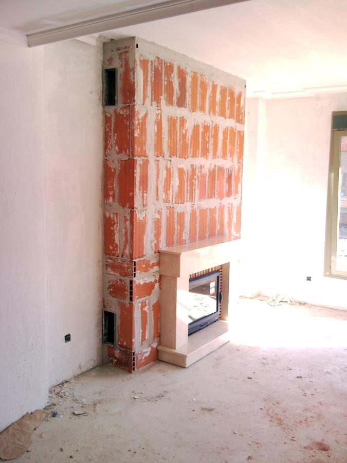 Foto modelo lombardia con insertable de le a de chimeneas - Instalacion de chimeneas de lena ...