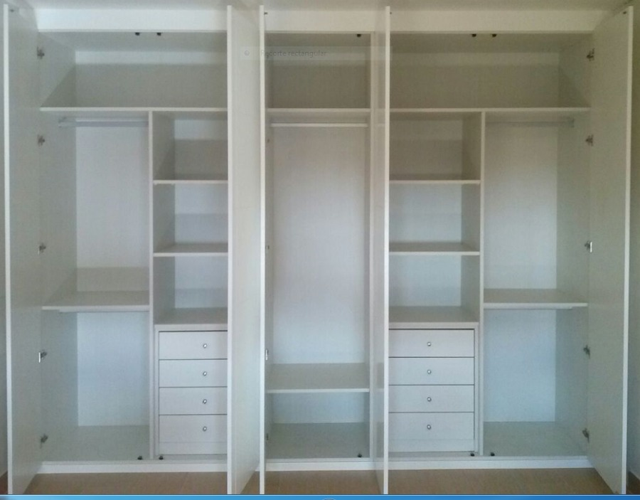 Foto modulos de interiores de armario de puertas y - Armarios empotrados interiores ...