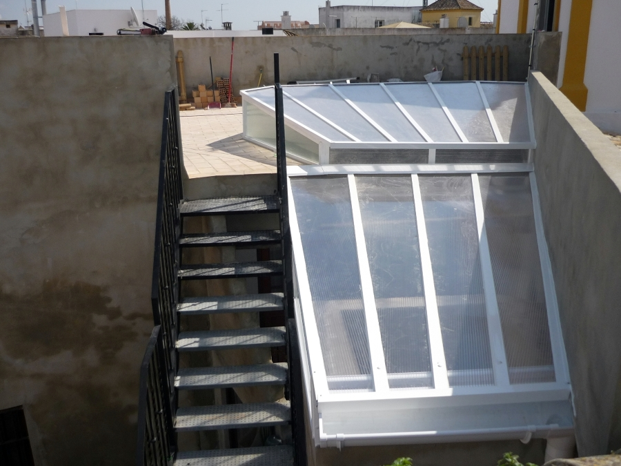 Foto montera de aluminio de hogarven 208648 habitissimo for Piscina guadalcacin
