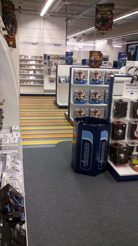 Foto moqueta y pavimento vin lico en centro comercial de - Soltec murcia ...