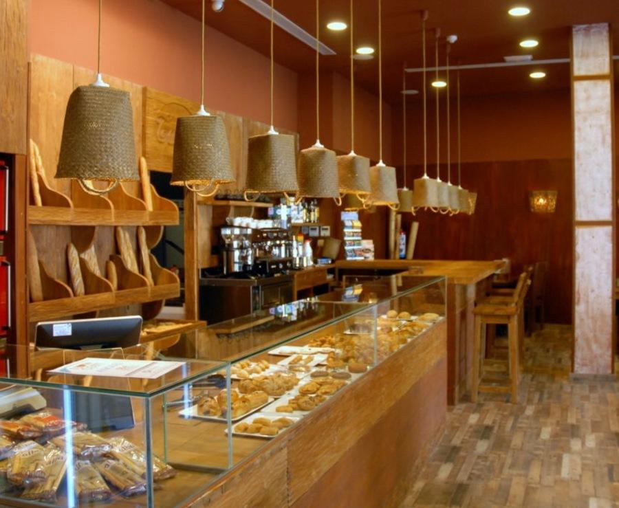 Foto mostrador panader a cafeter a de alvan 743399 for Decoracion cafeteria