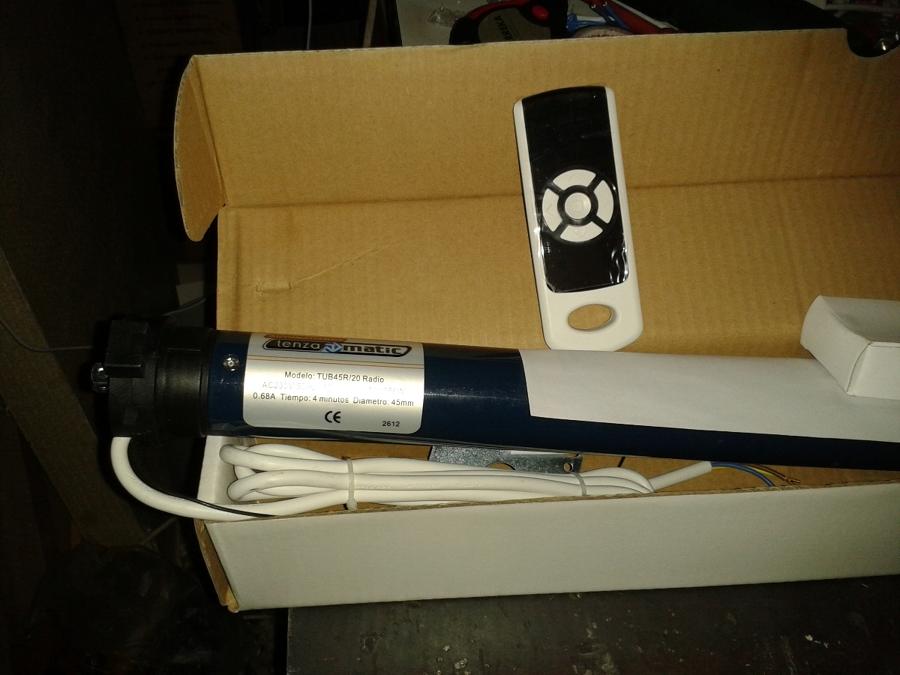 Foto motor de persianas y toldos de m y o matit - Motor para toldo ...