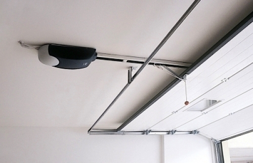 Foto motor de techo puerta seccional de puertas - Motor puerta garaje seccional ...