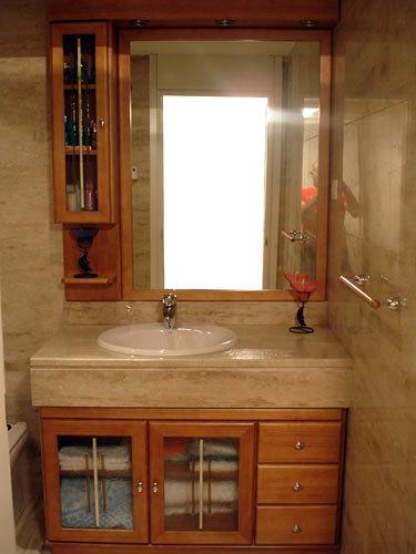 Foto mueble bajo encimera con auxiliar de muebles de ba o for Bajo encimera