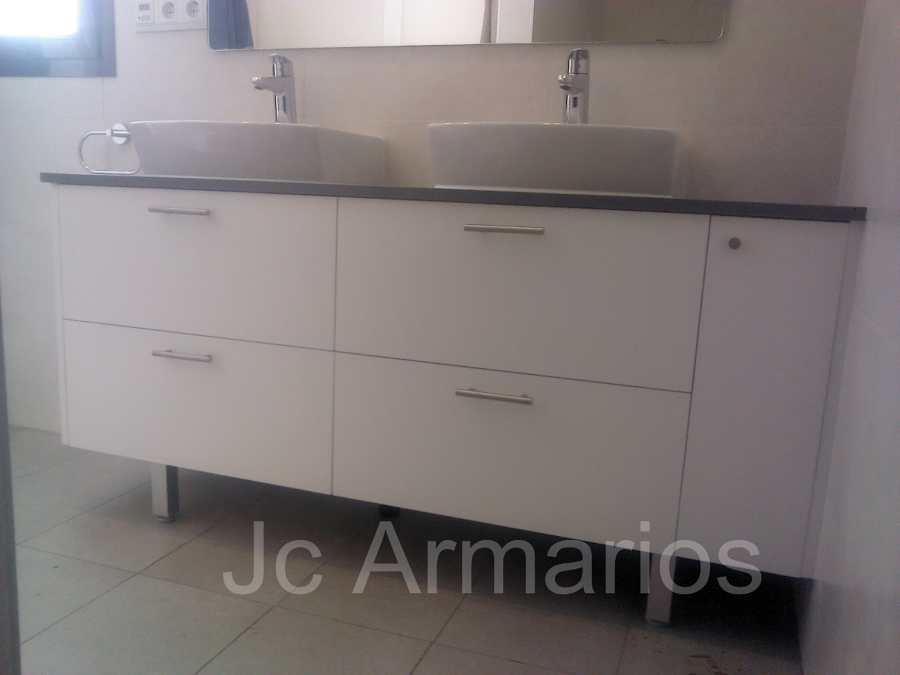 mueble bajo lavabo con encimera de silestone