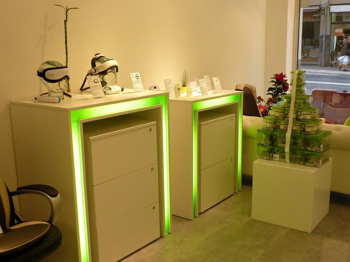 mueble con iluminación interior