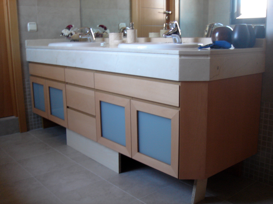 Foto mueble de ba o a medida haya vaporizada de muejosala - Muebles de bano en sevilla ...