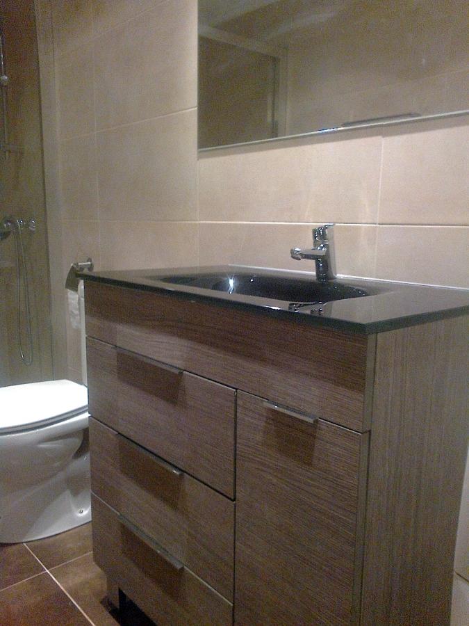 Foto Mueble de Baño con Encimera de Cristal Templado de Corema