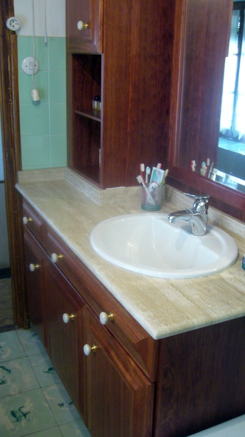 Foto mueble de ba o en madera de bubinga de fusteria ca - Mueble de bano madera ...