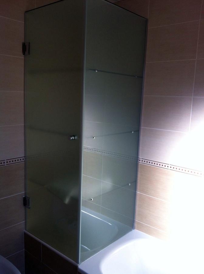 Foto Mueble de Baño en Vidrio Templado de Aluminios Nazarenos Sl
