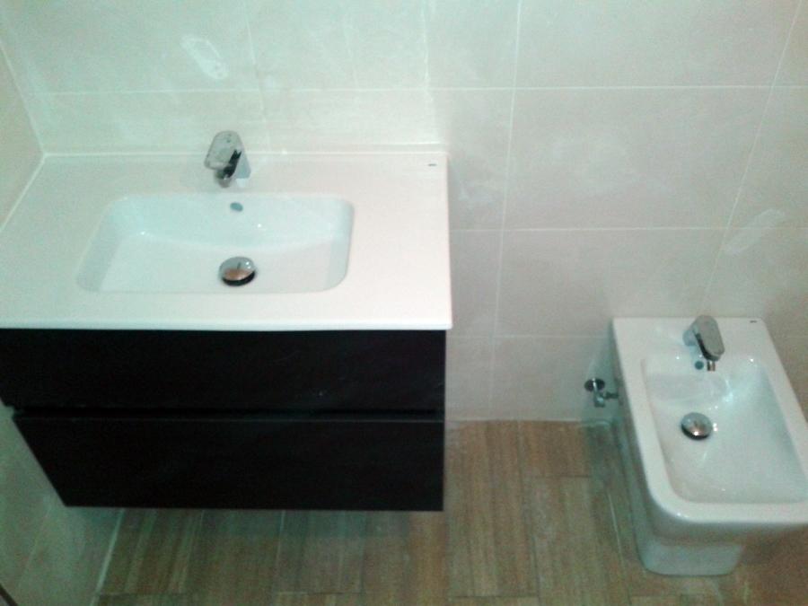 mueble de baño suspendido.