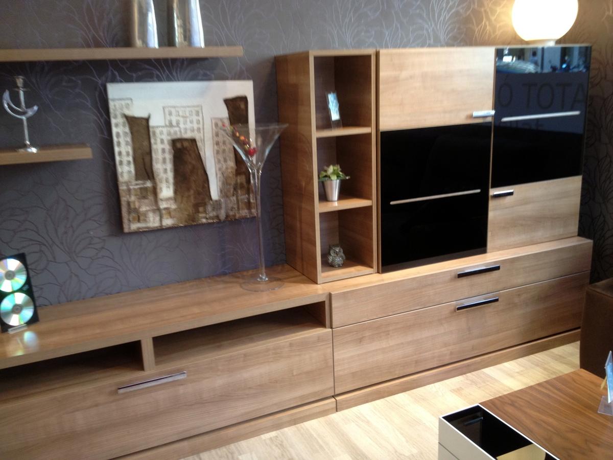 Mueble para tv color nogal - Color nogal en madera ...