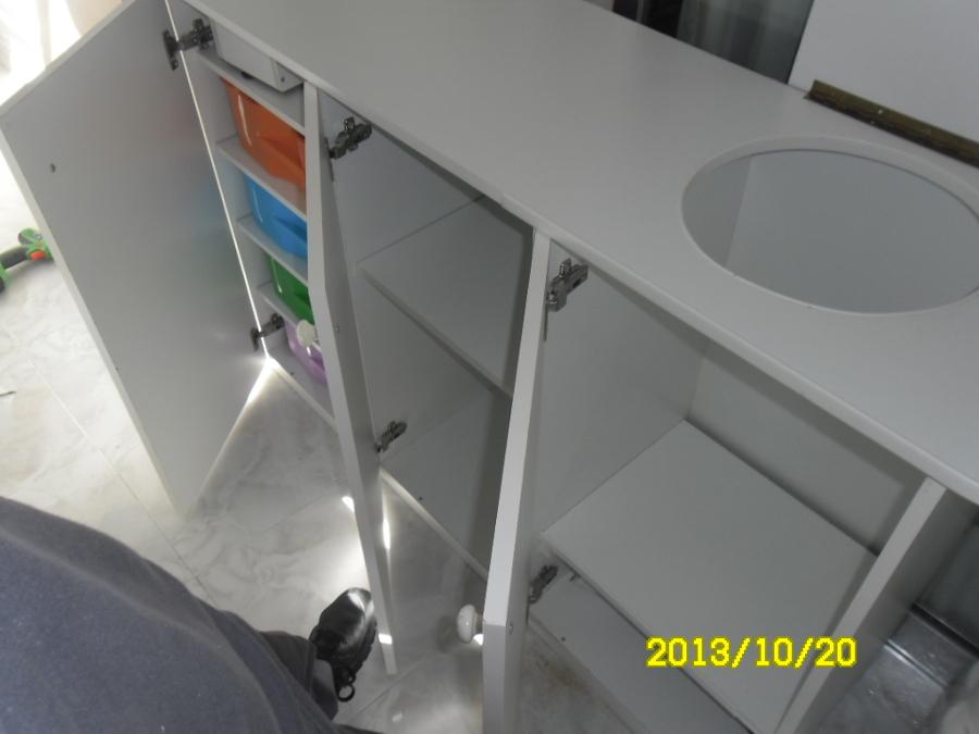 Foto mueble ropa sucia de carpinteria alexlau 635970 for Mueble para ropa sucia