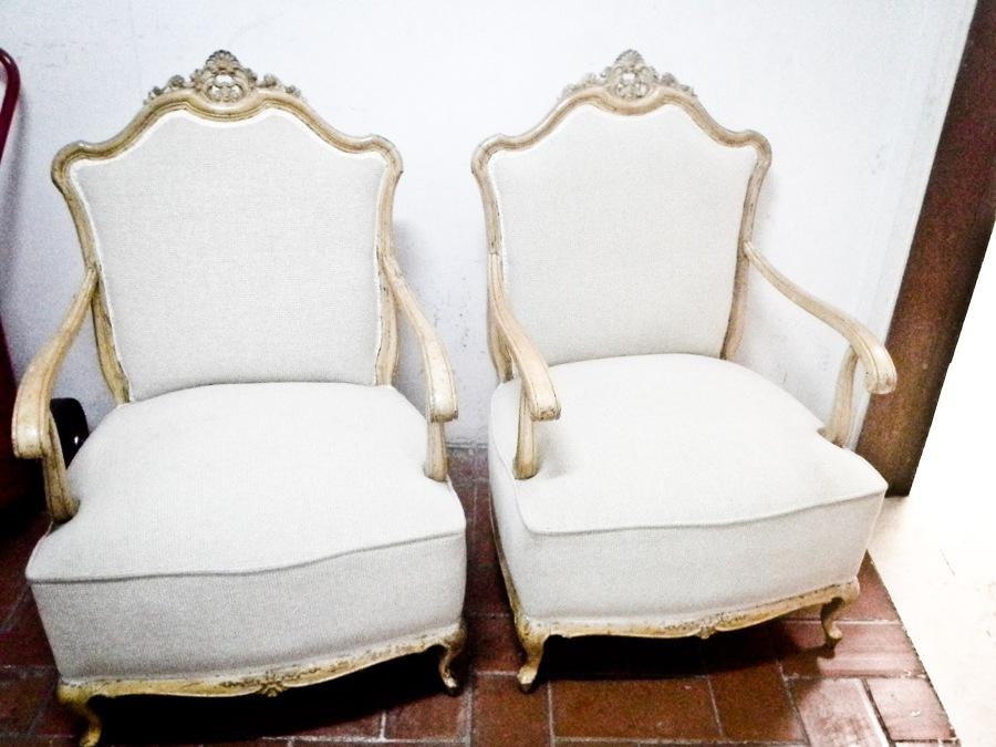 Foto sillones a medida de madera dm de tapiceria junquera for Sillones a medida