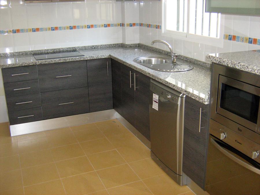 Foto muebles de cocina de cocinas a domicilio 183031 for Muebles de cocina en ciudad real