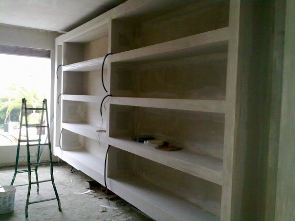Foto muebles estanteria de pladur de moises sobrino - Estanterias de obra para salon ...