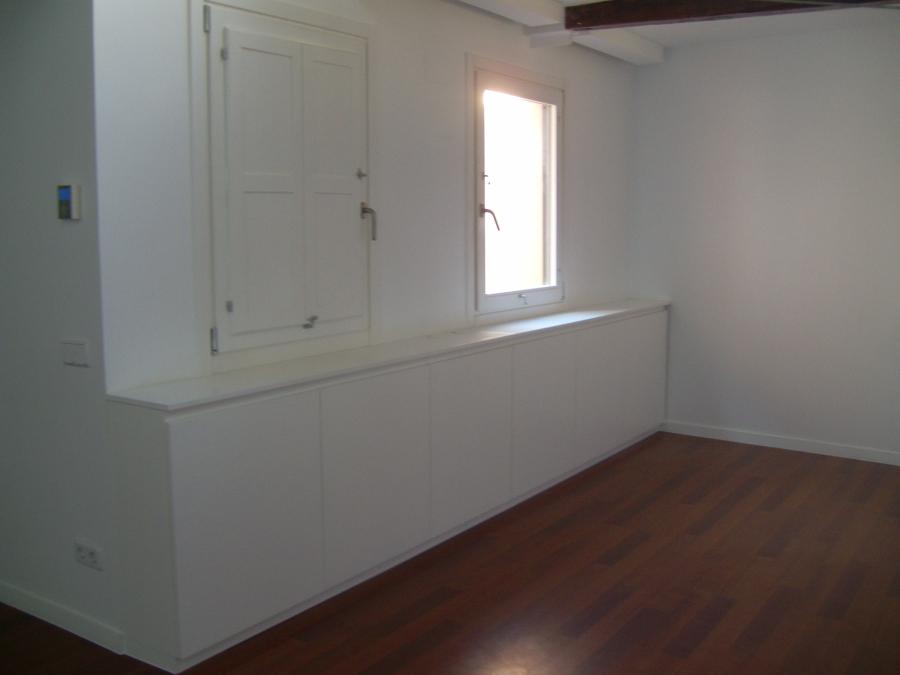 Muebles salon lacados en blanco
