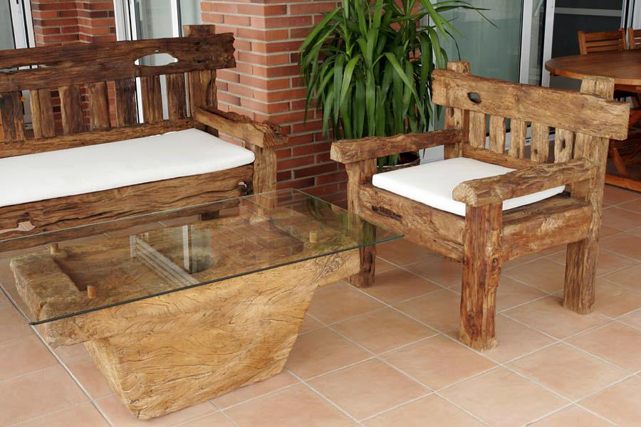 Foto muebles y esculturas de indonesia girona y for Muebles de oficina palencia