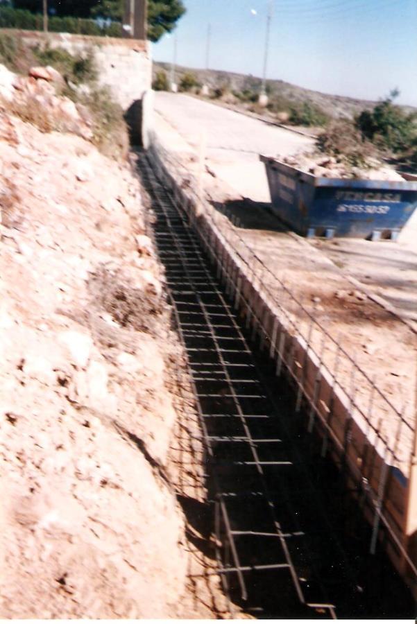 Foto muro contenci n de construcciones y reformas olbe s for Muro de contencion precio