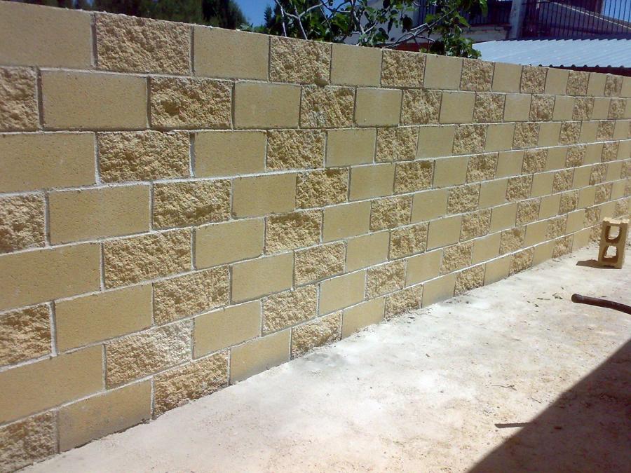Pin atooms fotos bloques de hormigon on pinterest - Muro de bloques ...
