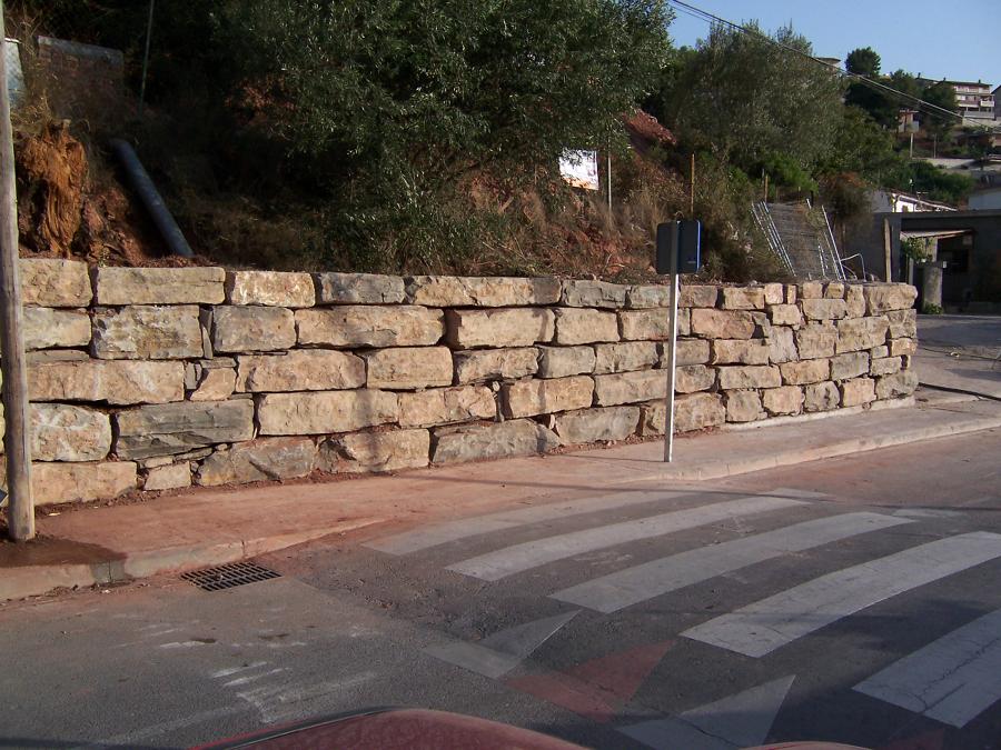 Foto muro de contencion de ediser castellnou s l 140920 for Muro de contencion precio