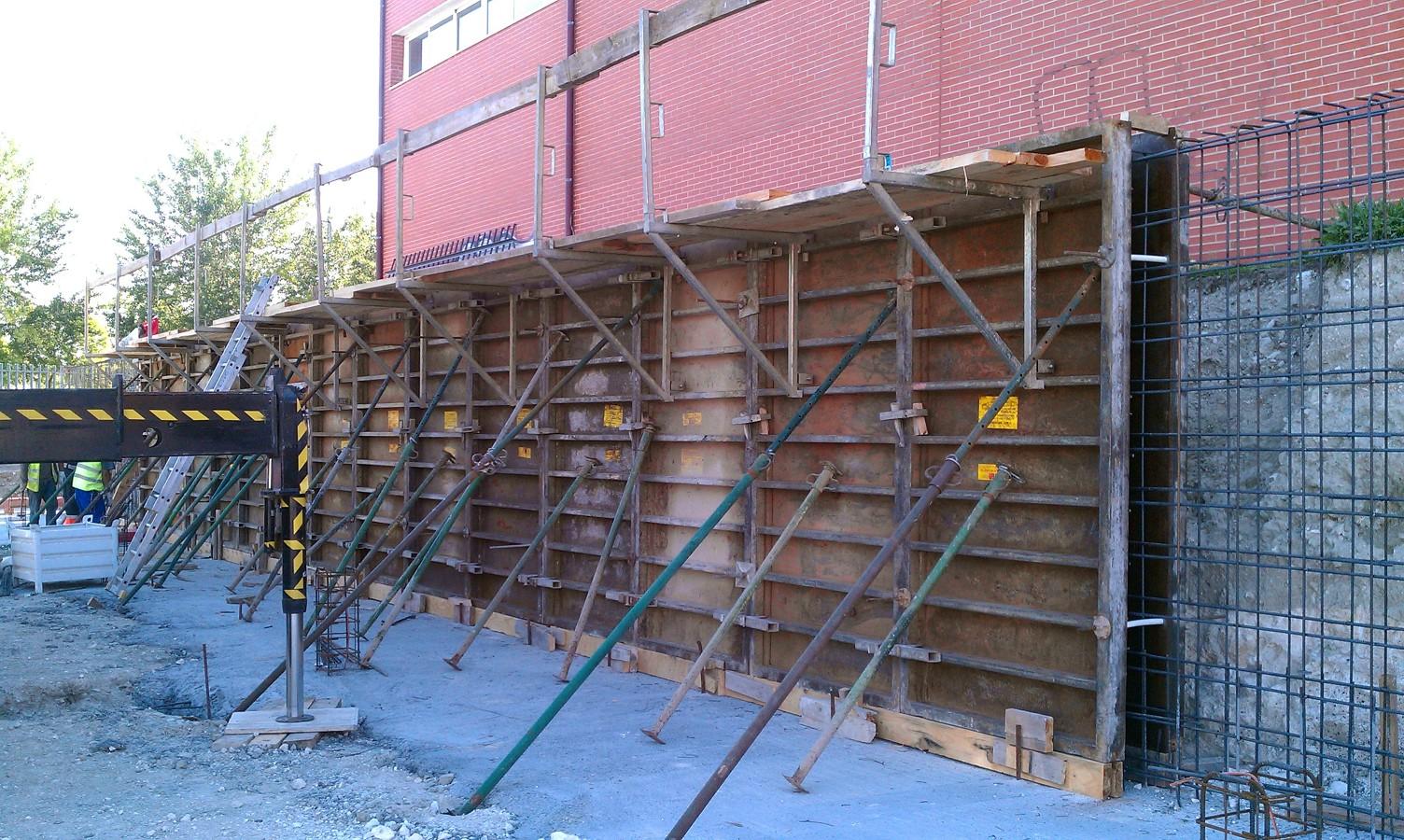 Foto muro de contenci n de constructia obras e ingenieria for Muro de contencion precio