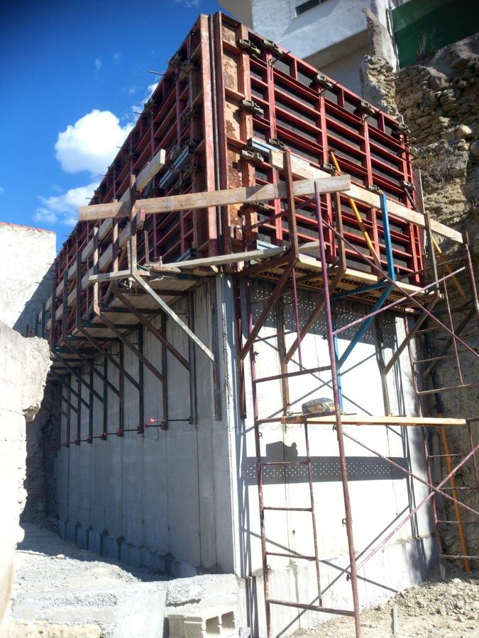 Foto muro de hormigon 6 metros de altura de construcciones mepar c b 467275 habitissimo - Muros de hormigon ...