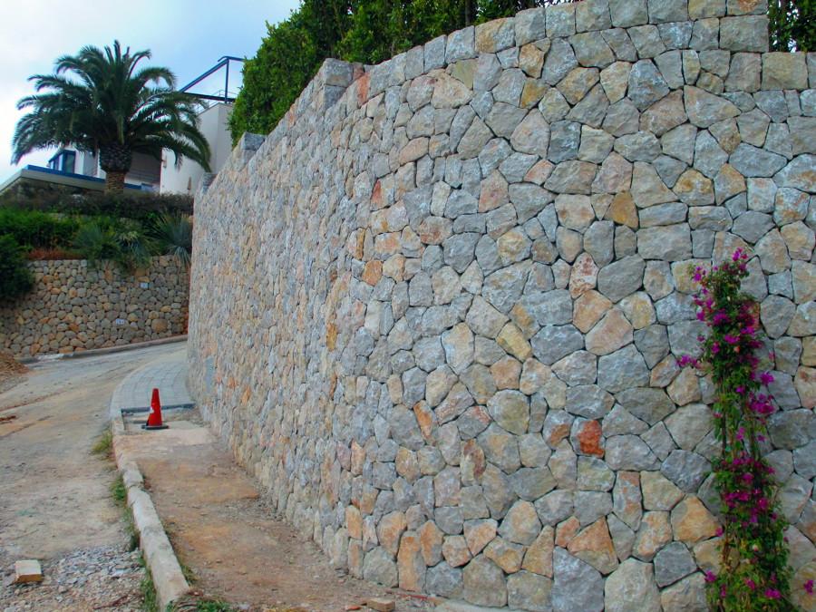 Foto muro exterior piedra de marmesbal 462632 habitissimo - Muros de piedra ...