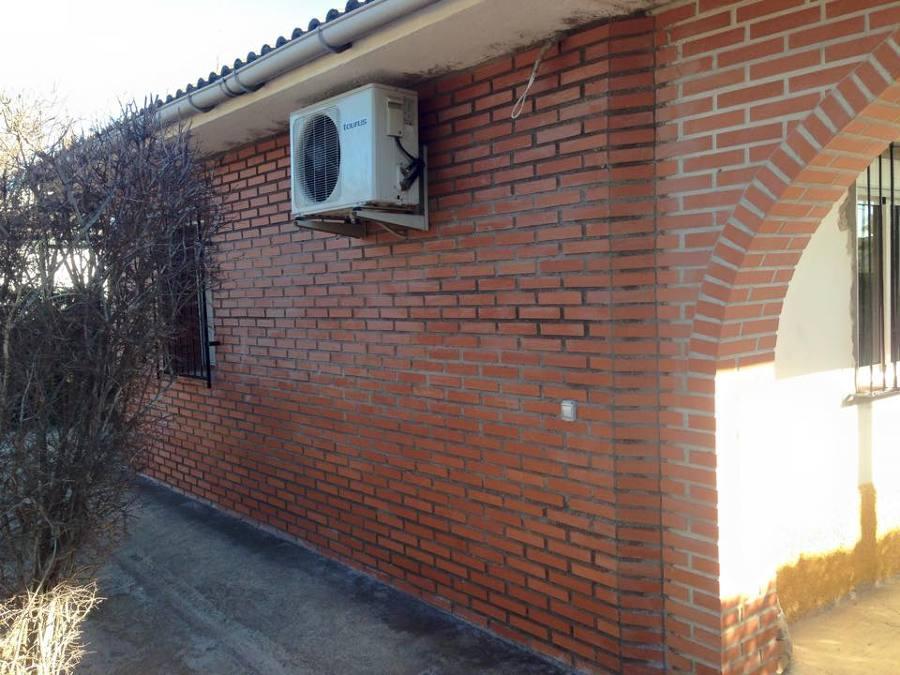 Foto muro ladrillo visto de amstram construcci n y - Ladrillo visto rustico ...