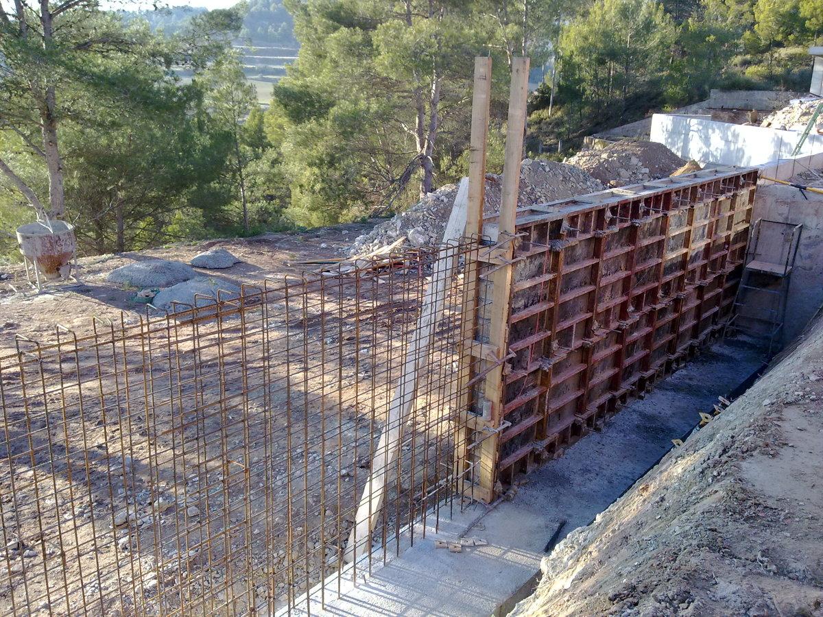 Foto muros de hormig n visto ambas casas 2011 de for Casas de hormigon asturias
