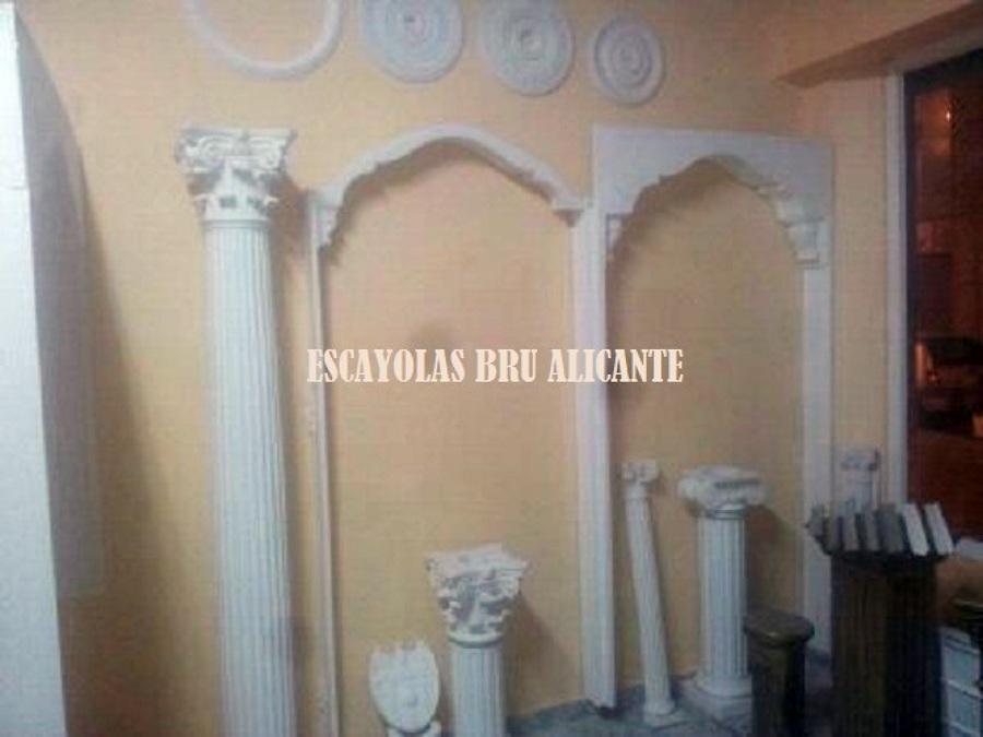 Foto arcos columnas y capiteles de escayola en alicante - Salones con columnas ...