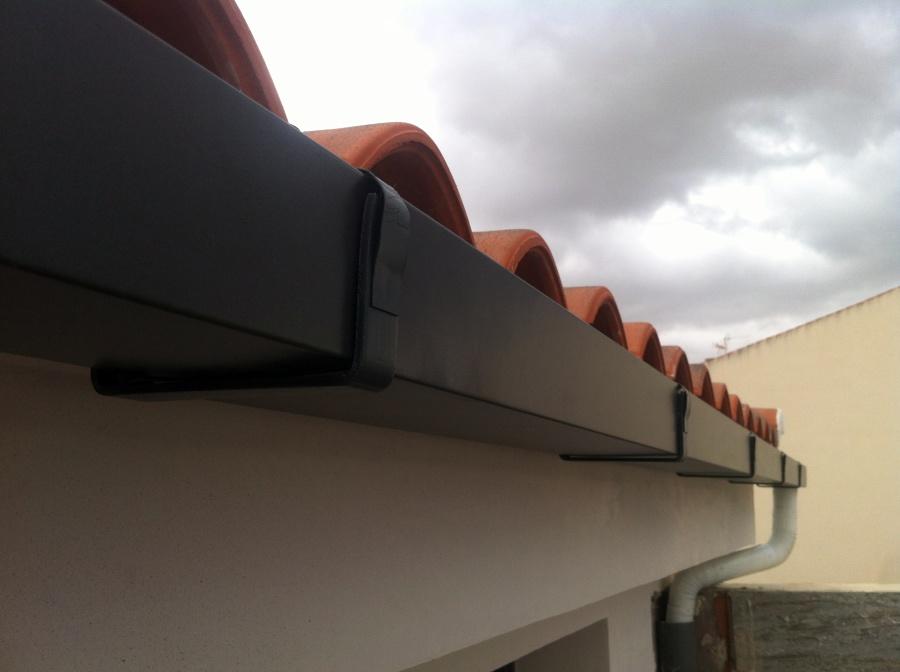 Foto canalon cuadrado de alumnio color pizarra de - Canalon de cobre ...