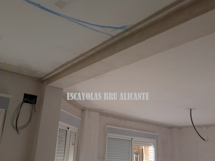 Foto falsa viga de escayola de escayolas bru 488218 - Techos con molduras de escayola ...