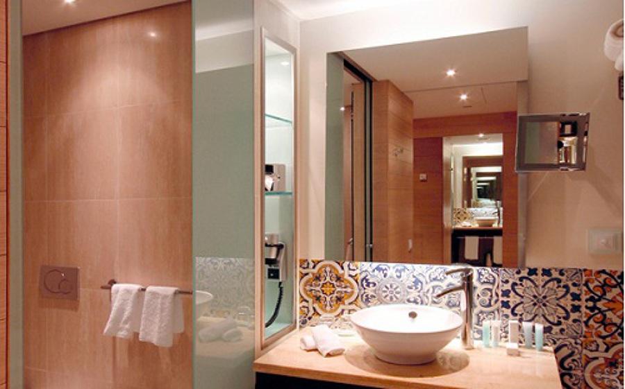 Foto espejo retroiluminado de akon global solutions s l - Espejo bano retroiluminado ...
