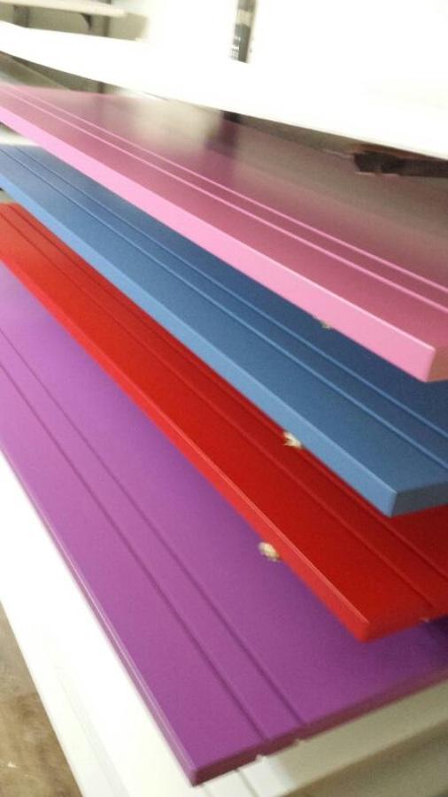 Lacado de puertas en color