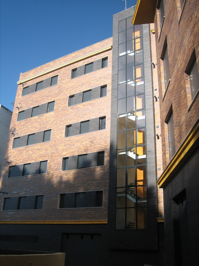 Edificio de 37 viviendas y 2 plantas de sótano.