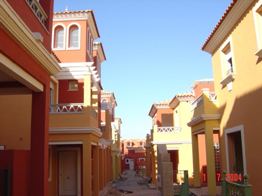 142 viviendas unifamiliares y plurifamiliares