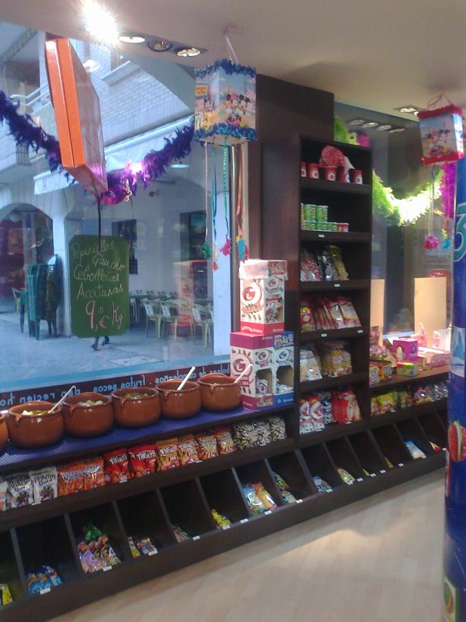 """Tienda De Golosinas, """"Chuches"""" en Castro Urdiales"""
