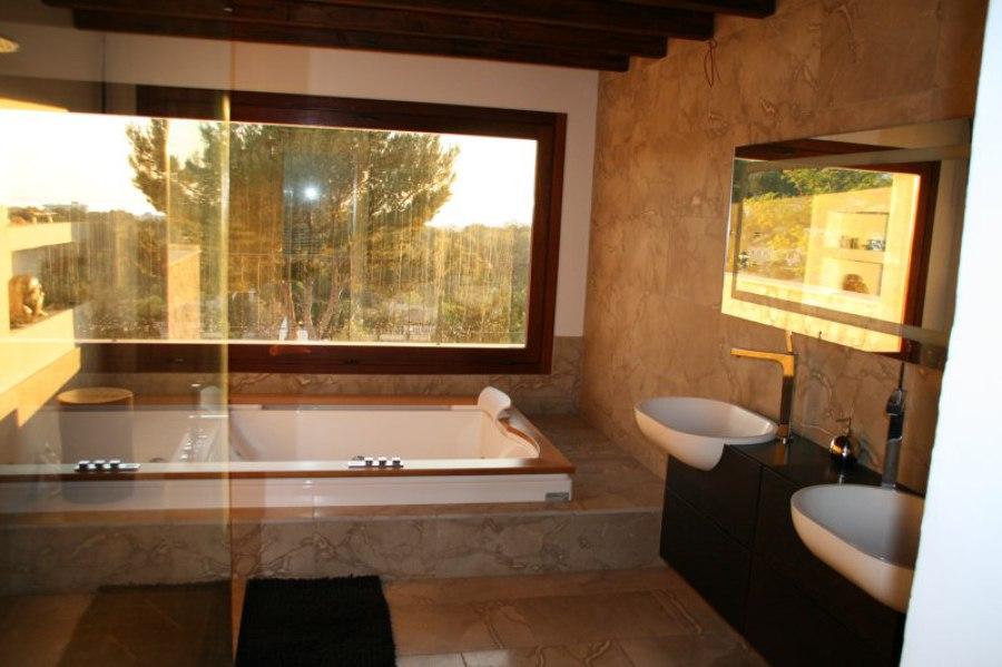 Foto: Cuarto de Baño Completo con Bañera Hidromasaje. de Construmasa ...