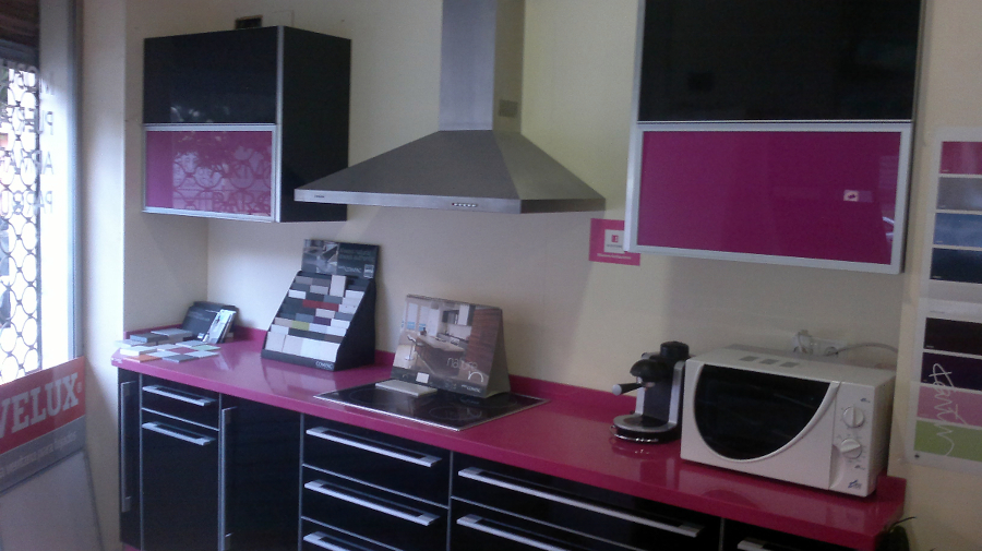 22 bonito cocina fucsia galer a de im genes foto negro - Cocinas rosa fucsia ...