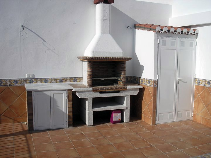 Foto obra en valencia mestalla alicatado terraza y - Barbacoas para terraza ...