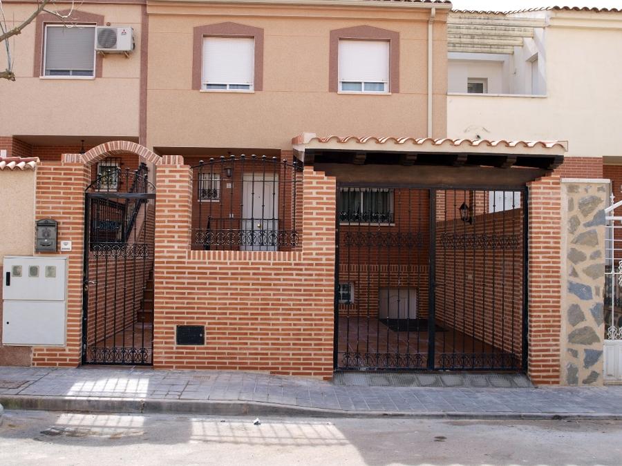 Foto obra ladrillo visto ciudad real de servicios - Muros de ladrillo visto ...
