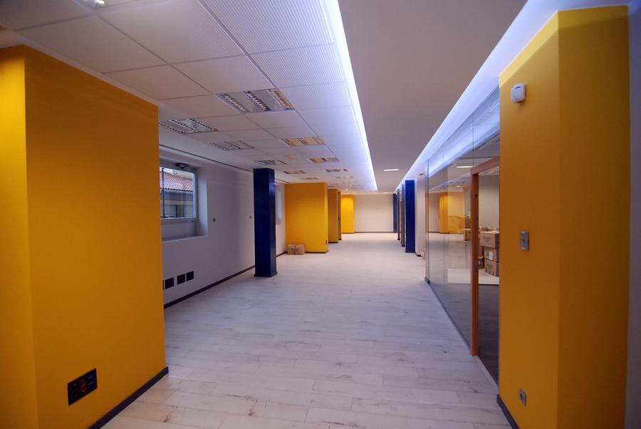 Foto oficinas zaragoza de contratas hijar s l 476016 for Oficinas mrw zaragoza
